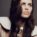 body: Claudia Vitali, shoulder jewelry: Bergner Schmidt, chain: Weekday